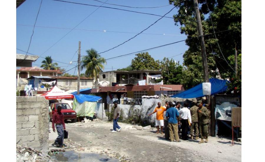scena per strada ad Haiti